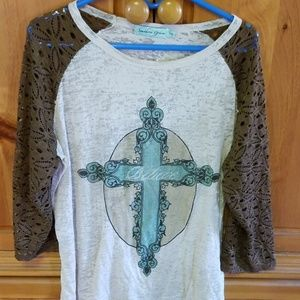 Southern Grace shirt teal cross XXL lace sleeves